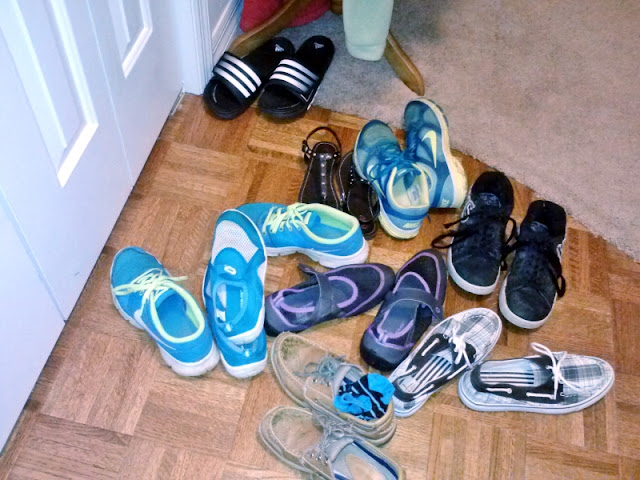 weekly,chore,prompt,organizing,shoes