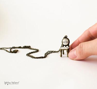 alice-in-wonderland-necklace
