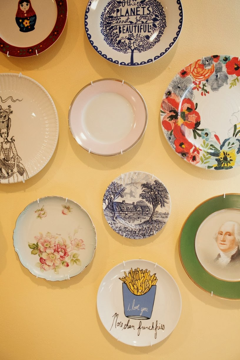 Eclectic Plate Wall Idea {from http://www.apartmenttherapy.com/elizabeths-colorfilled-apartment-196161}