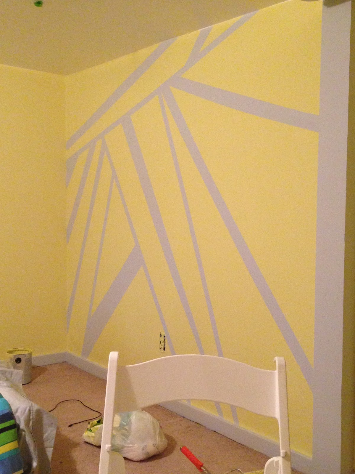 Easy wall art with just canvas masking tape and paint key for Spray paint designs with tape