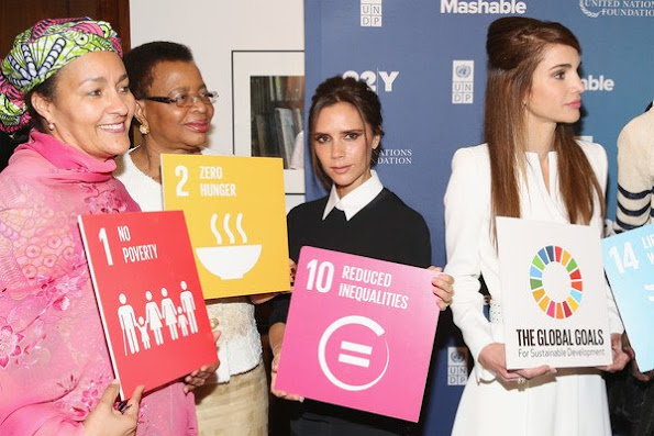 Victoria Beckham, Queen Rania of Jordan, Amina J. Mohammed, Graca Machel and Alek Wek attend the 2015 Social Good Summit