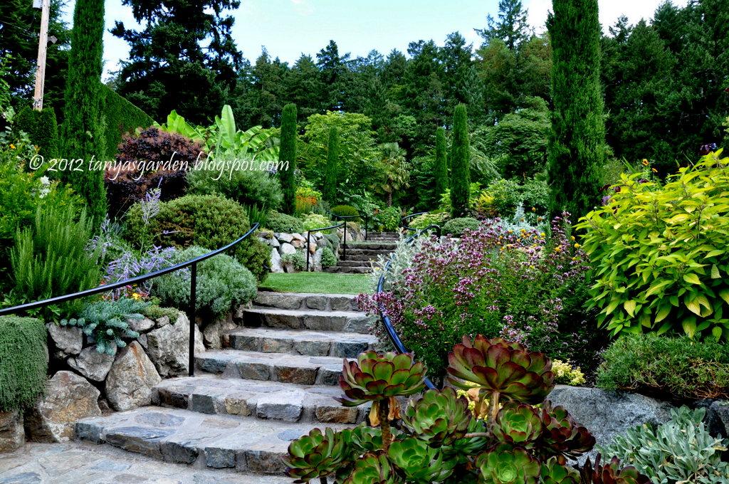 Mysecretgarden mediterranean garden the butchart gardens Modele de rocaille pour jardin