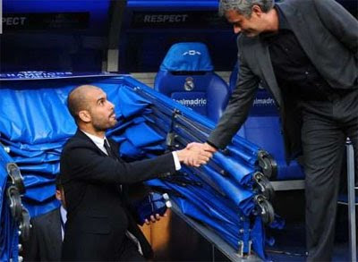 Saludo de Guardiola y Mourinho partido Real Madrid vs BArcelona