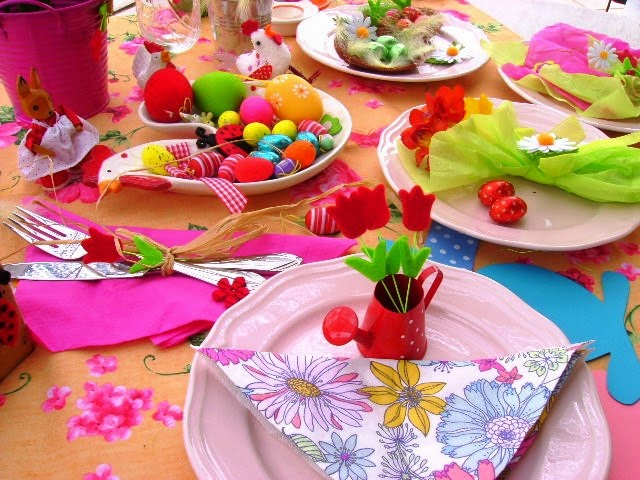 Cream linen some ideas about how to set your easter table today i will give you some ideas about how to decorate your table without spending almost any money using things that you have at home or that you can make negle Image collections