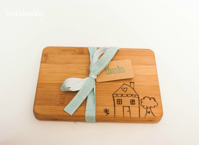 Home made modern diy wedding gifts for Diy personalized wood cutting board