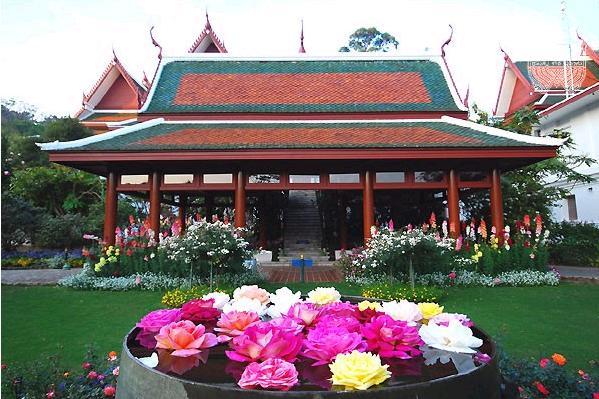 ThailandHoneymoon; Bhubing Palace(Royal Wintertime Palace) - Chiang Mai Attractions