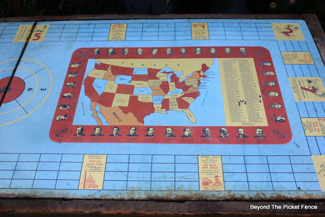 US map, vintage, metal, table, beyond the picket fence, http://bec4-beyondthepicketfence.blogspot.com/2015/06/vintage-game-table.html