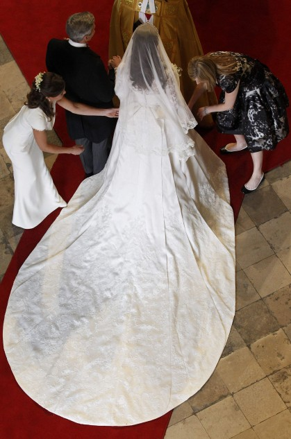The Shape Is Divine And Length Perfect 2 Meters 70 Centimeters Or About 8 Foot 10 Inches Not Too Long For Westminster Abbey