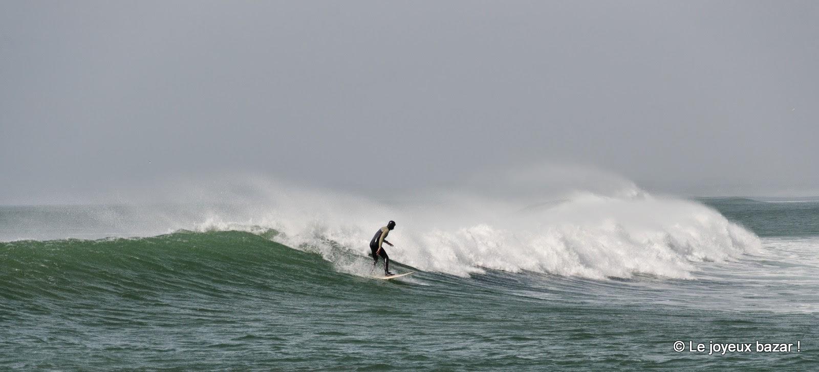 Bretagne - La Torche - surfeur