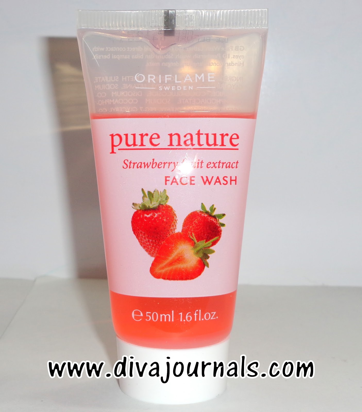 Oriflame Pure Nature Strawberry Fruit Extract Face wash