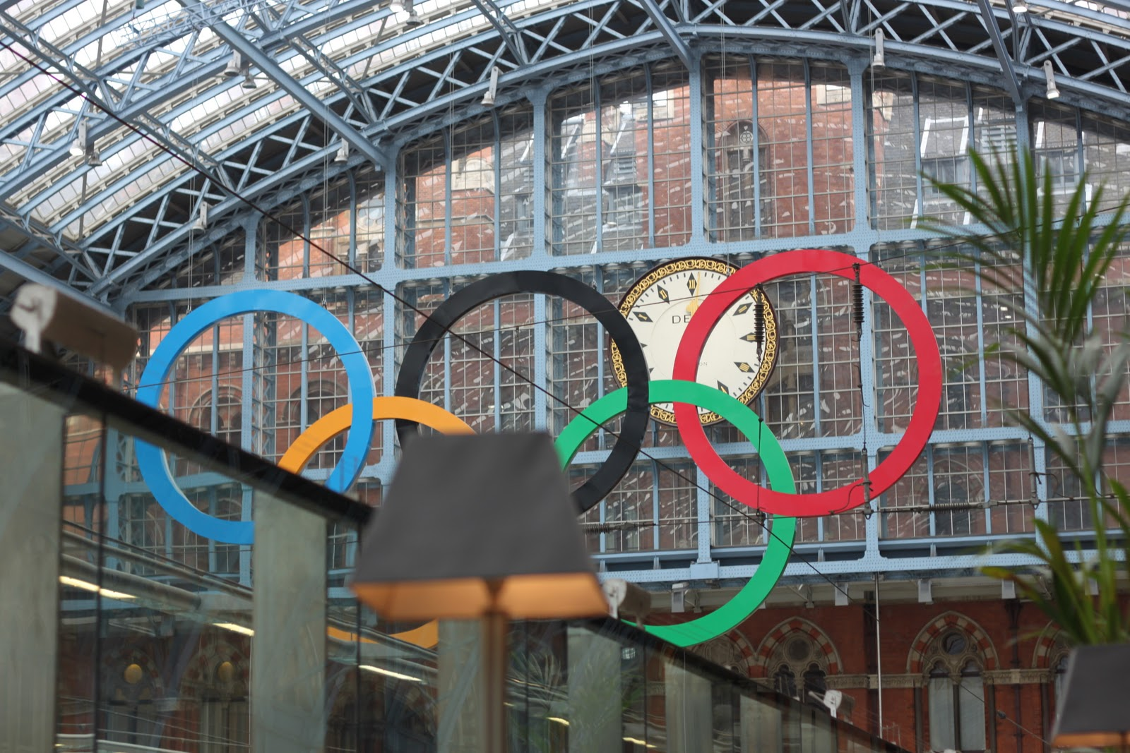 Olympic symbol at King's Cross Saint Pancras