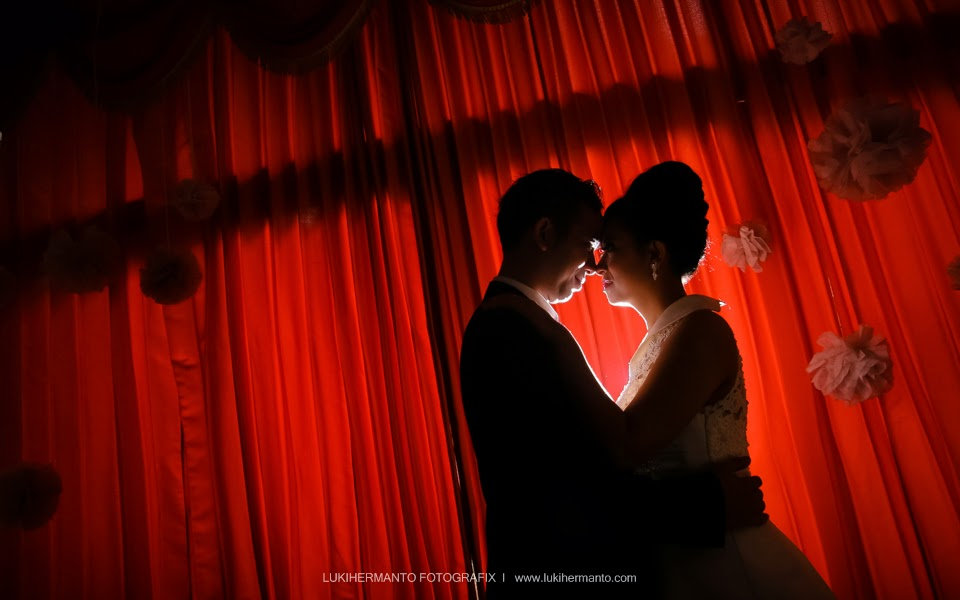 Foto prewedding siluet romantis