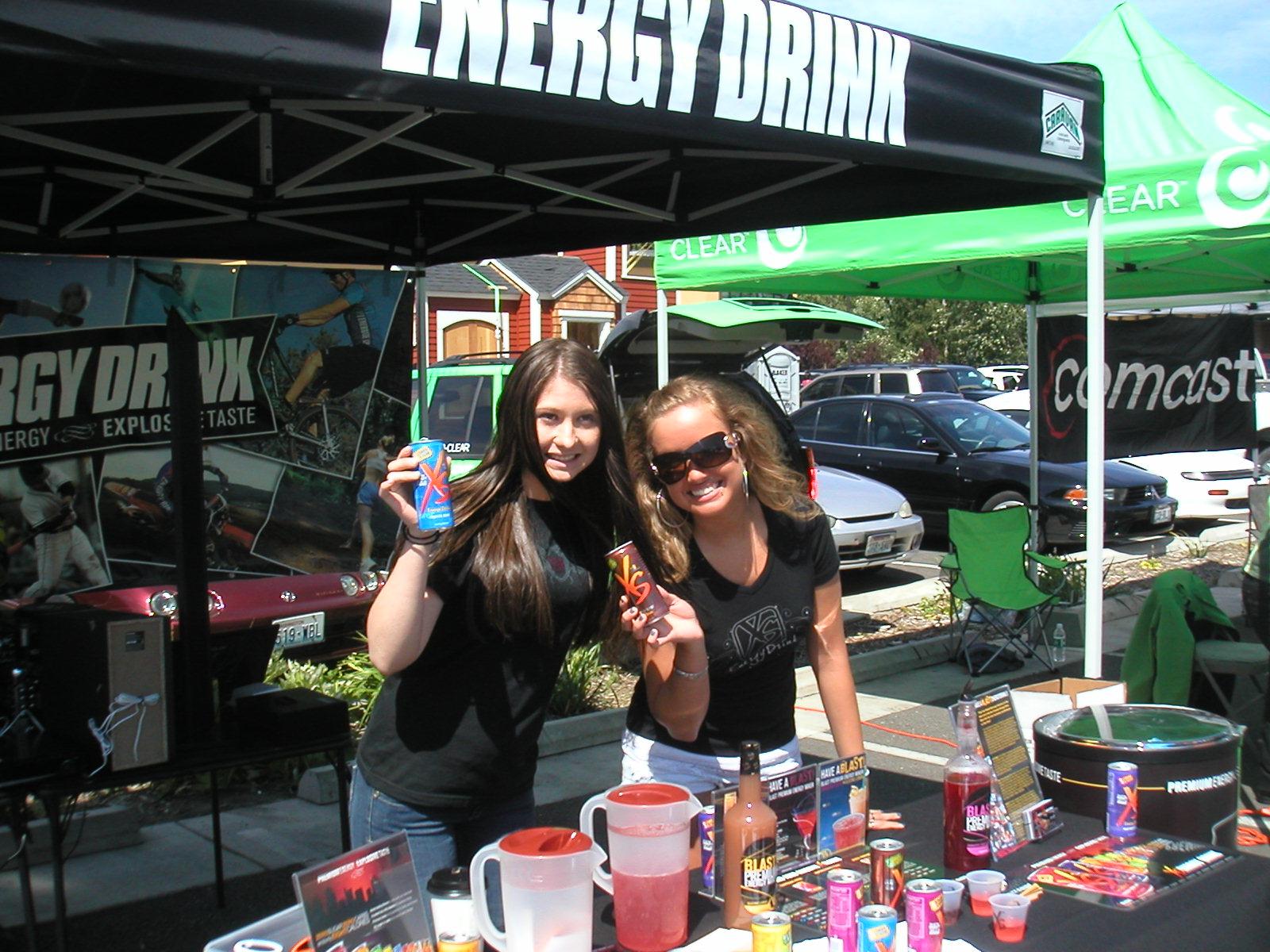 http://2.bp.blogspot.com/-ttckqeDCrKQ/Tq7Sv-5yleI/AAAAAAAAAEM/ay-PCGumiyM/s1600/ghoul%2BXS-Energy-Drink-Event-Booth-86.jpg