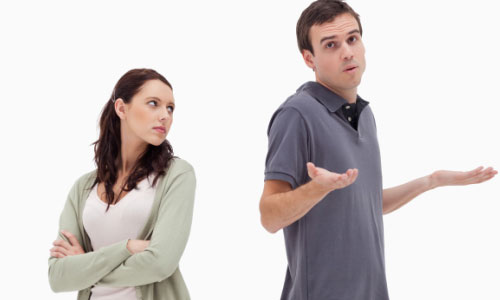 5 Reasons Why Playing Hard to Get could Backfire,woman girl hate man guy couple fighting confused angry
