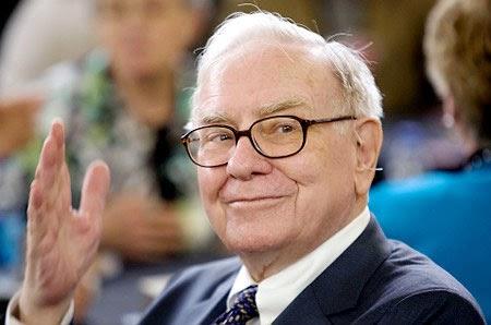 Tỷ phú Warren Buffett giao báo