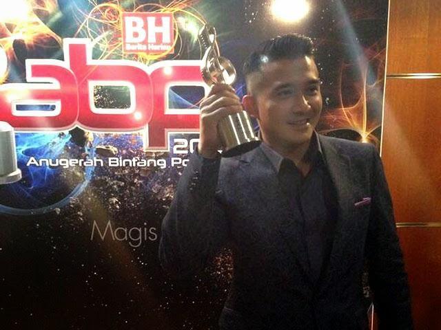 Anugerah Bintang Paling Popular Kembali Menjadi Milik Aaron Aziz