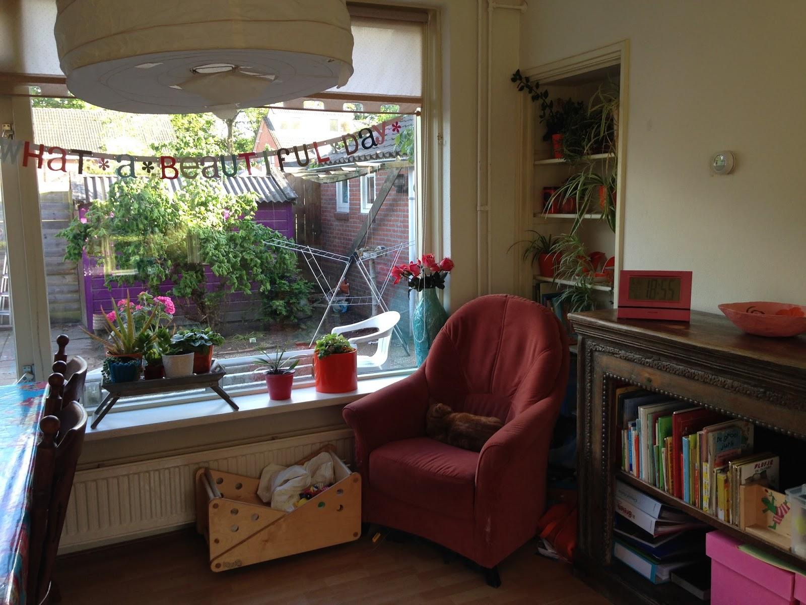 opruimen en bezuinigen: De woonkamer tot nu toe...