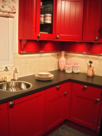 Cabinets for kitchen red kitchen cabinets design - Black red and white kitchen designs ...