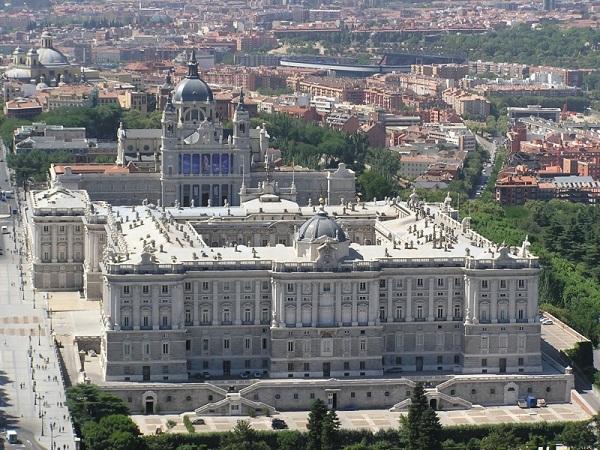 Palacio Real, Campo del Moro, Jardines de Sabatini, Catedral de Almudena e Plaza de Oriente