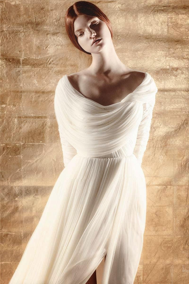 coleccin de novias donde cada vestido es nico e inspirada en la mitologa griega resalta la belleza etrea y romntica con vaporosas gasas tules