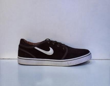 Sepatu Nike Stefan Janoski hitam murah