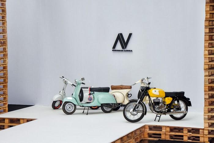 Escenario Desfile VIRTUDES LANGA - Old Style motorbikes Vespas
