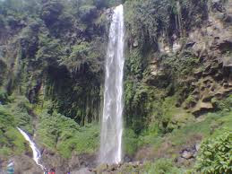 Air Terjun Grojogan Sewu Kabupaten Karanganyar - Jawa Tengah - Indonesia