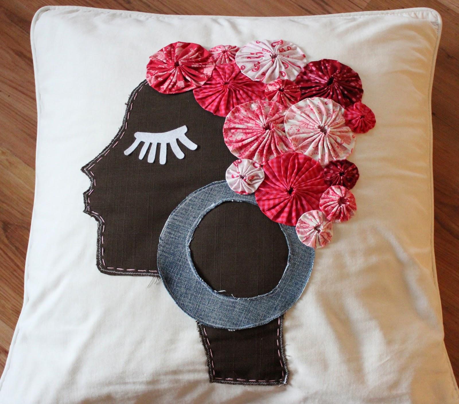 der rabe im schlamm das kissen mit der frau. Black Bedroom Furniture Sets. Home Design Ideas
