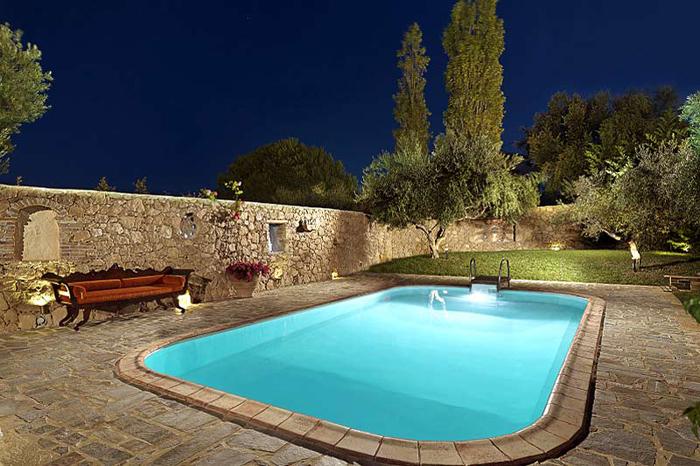 Estilo rustico piscinas rusticas for Estilos de piscinas