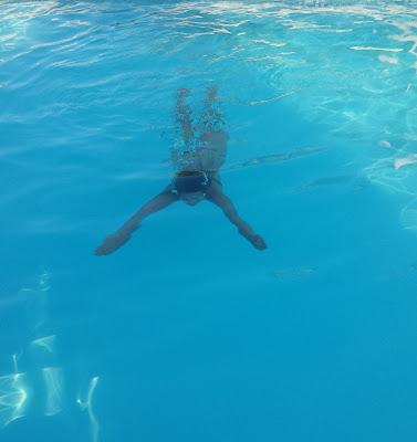 Nager sous l'eau