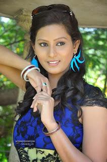 Actress-Kavya-Latest-Photos
