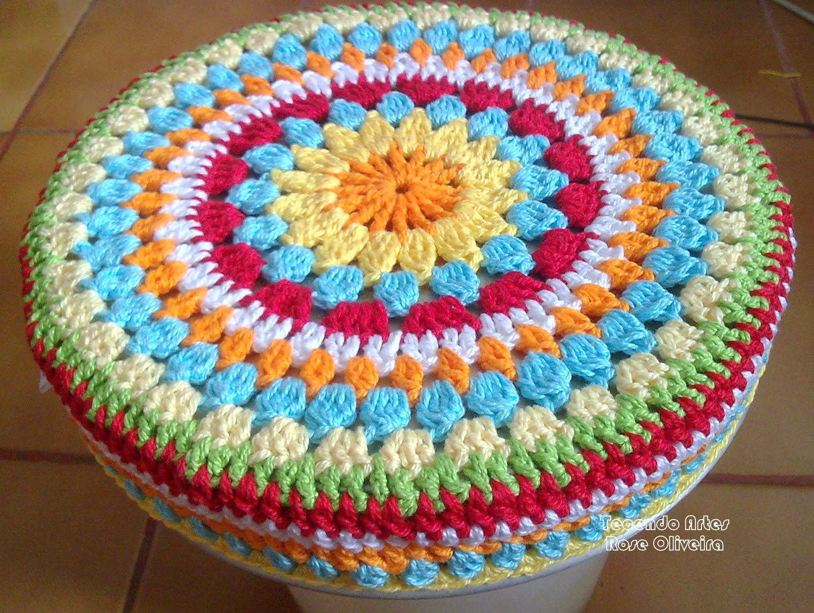 Tecendo Artes em Crochet: Capa p/ Banquinho Redondo! #B36218 1600x1206