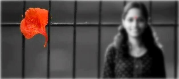 ഗുൽമോഹറിൻ ചുവപ്പു പോലൊരു പ്രണയം..   ഒരിതളിൽ നിറഞ്ഞു തുളുമ്പിയൊരു പ്രണയം..