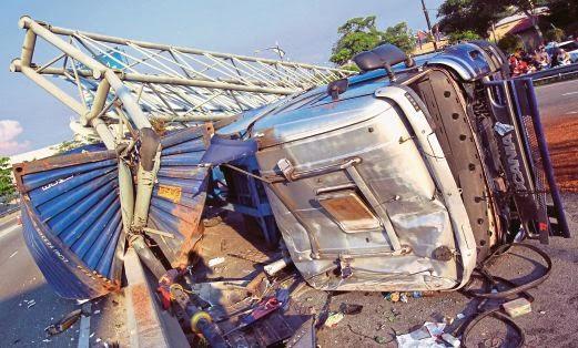 Kaki Syabu Punca Kemalangan Treler