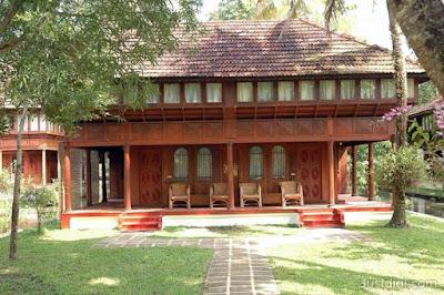 Coconut Lagoon Resort in Kumarakom