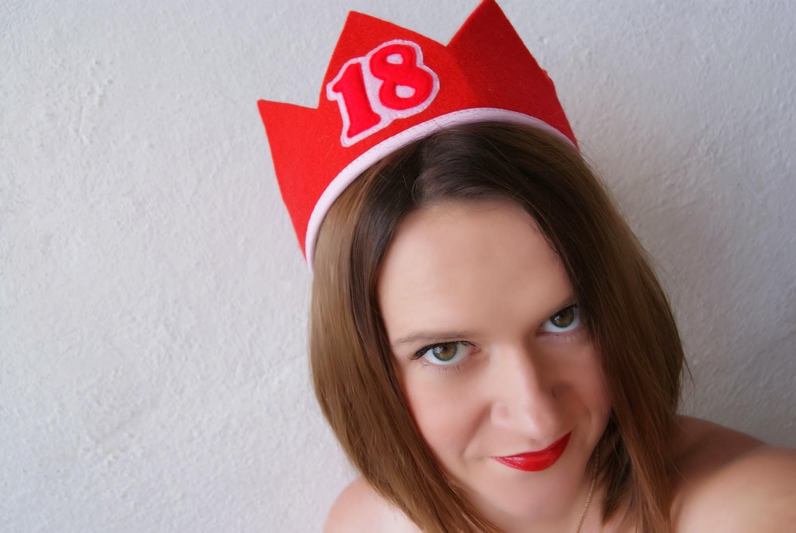 korona urodzinowa na 18 3