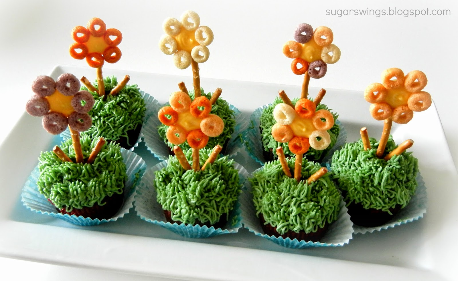 Sugar Swings Serve Some Spring Flower Cupcakes for Donate Life Month