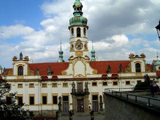 Fachada del Loreto en Praga