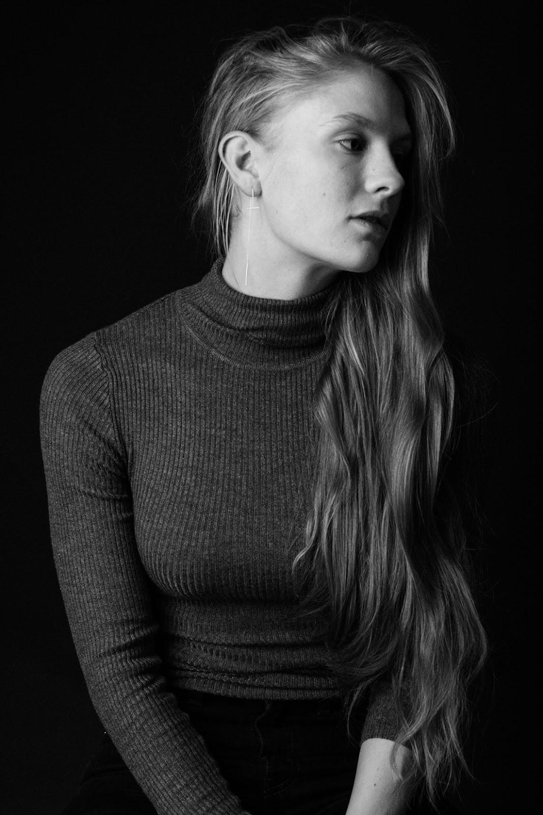 Emma Holten Nude Photos 6