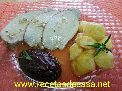 Lomo al horno con salsa de ciruelas pasas