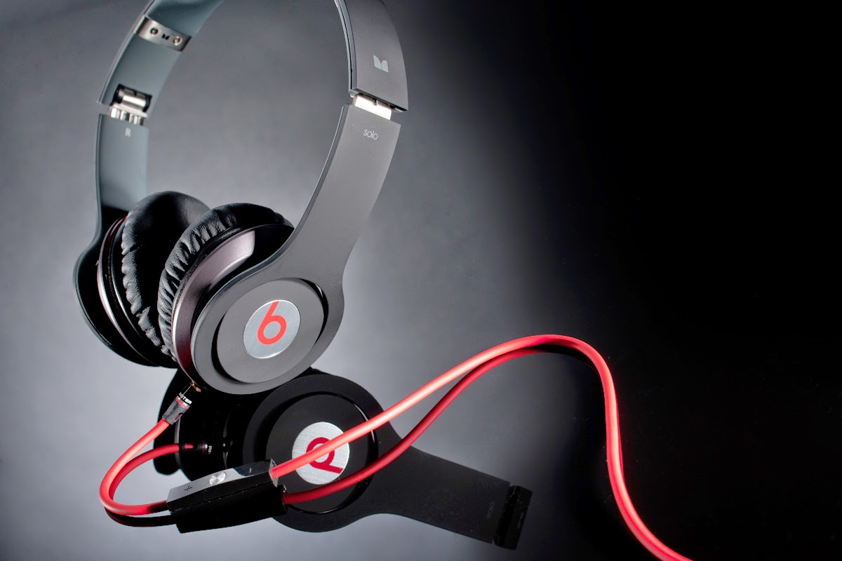 Beats Solo, headphones by Dr Dre etc