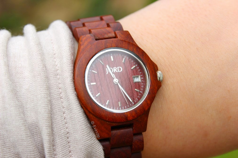 jord wood watch on the wrist