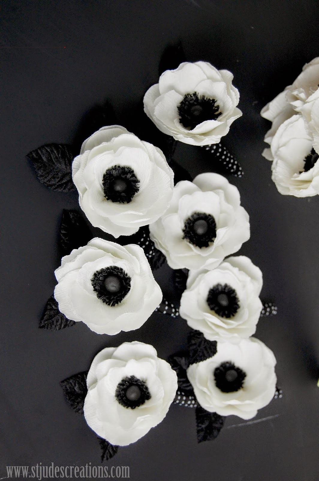 Anemone paper flower bridal bouquet black and white wedding paper flowers wedding bouquet black and white wedding paper flowers anemone mightylinksfo