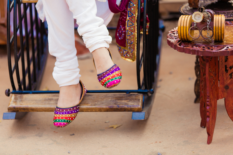 mojaris indian fashion blog, colorful clothes indian fashion blog, indian traditional wear fashion blog, top indian fashion blog