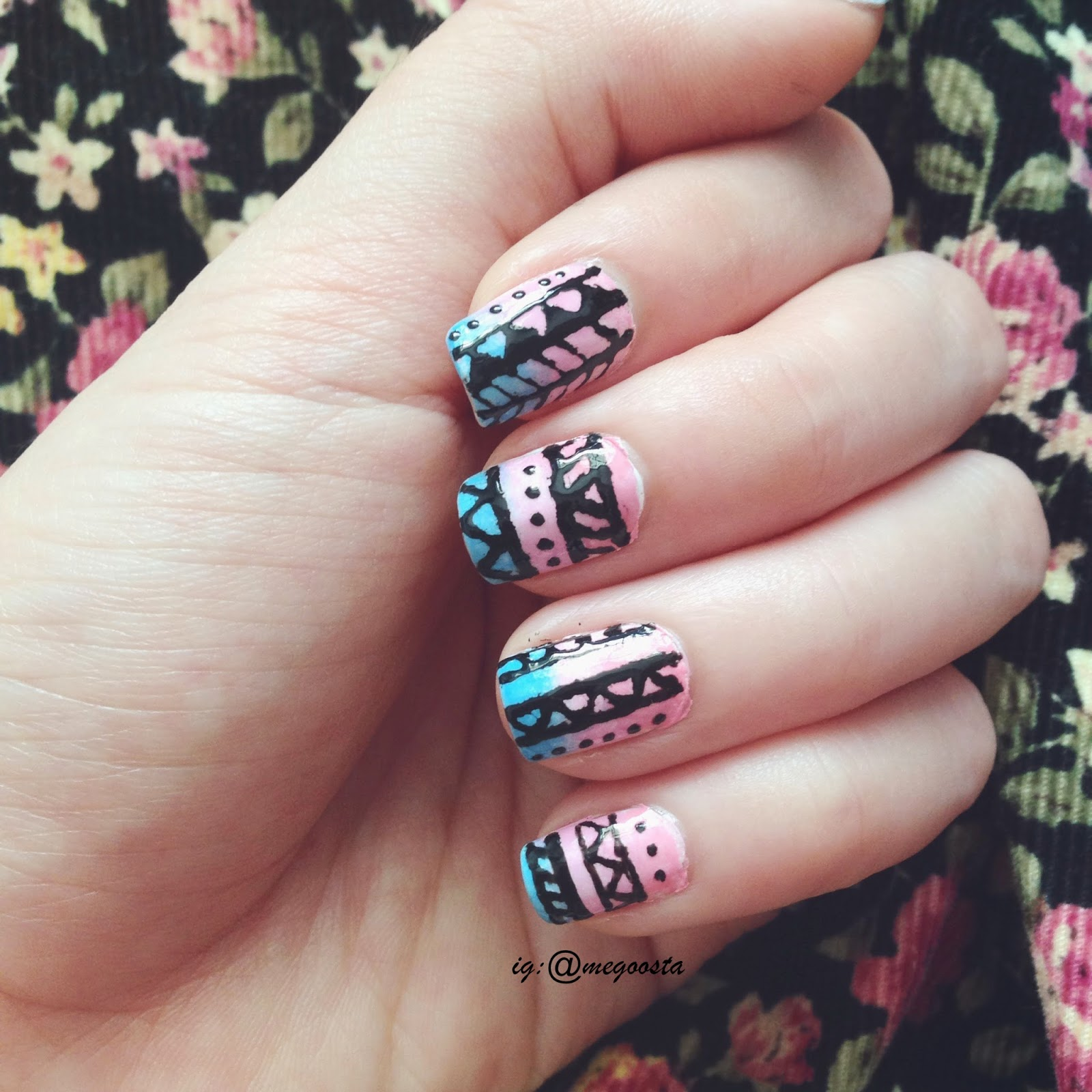 nail art: ombre tribal