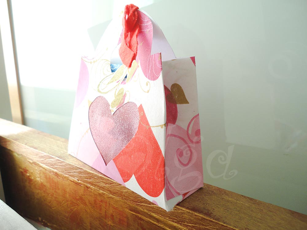 como-hacer-papel-scrap-con-servilletas.diy-homemade-scrapbooking-paper-napkin_