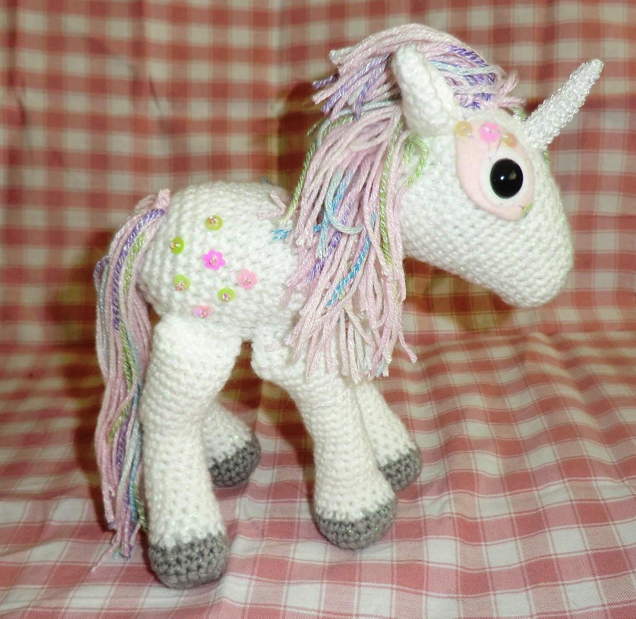 Amigurumi Unicorn Horn : Amigurumi Barmy: Sparkly unicorn