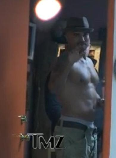 Loving moore shemar moore shirtless sighting for Shemar moore back tattoo