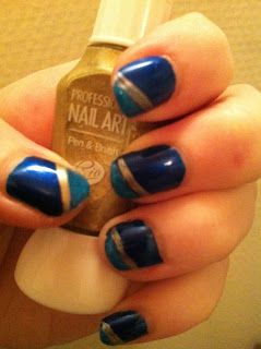 nailart blue gold nailpolish