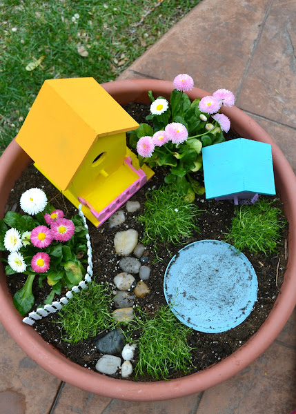 Real life one day at a time a fairy garden for Craft ideas for fairy gardens